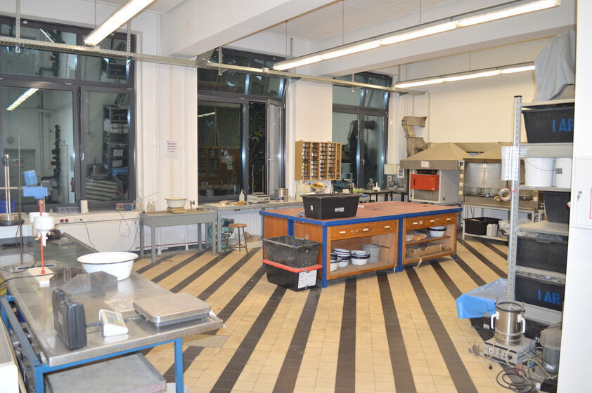Overview of raw materials lab with lab tables and equipment